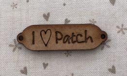 Pendientedeunhilo-botóndemaderaLovepatch